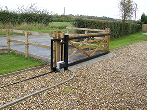 Sliding electric field gate